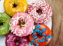 donuts_table_735_350