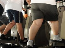 Obese-people-on-treadmill